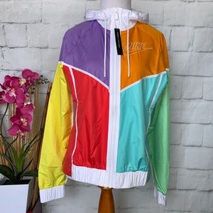 NWT NIKE Womens Windbreaker Jacket Retro Colors XS